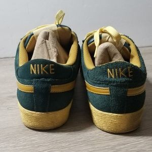 huge selection of 4e4bd 59213 Nike Shoes - Nike SB Blazer Low sz 8.5 Green Gold